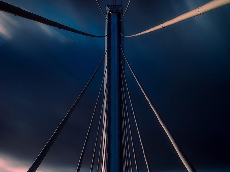Tirantes del puente en Sevilla