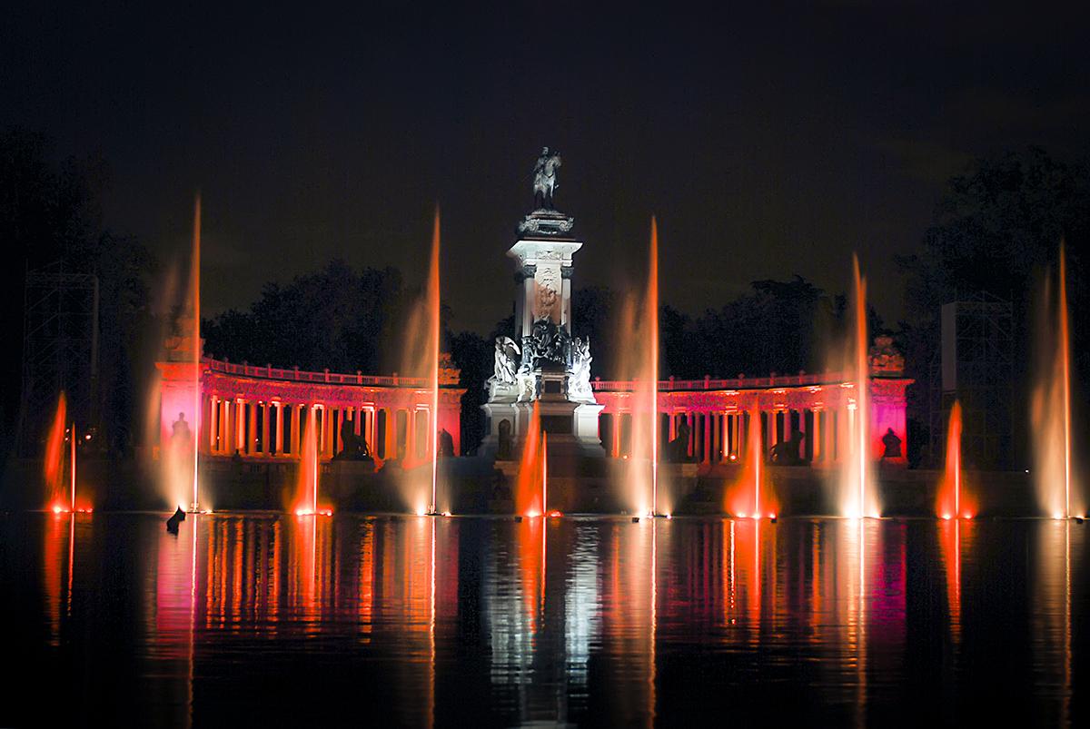 Madrid Retiro Naumaquia nocturna