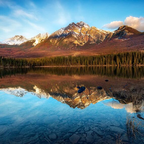 Canadá Pyramid lake Pyramid Mountain