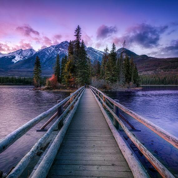 Canadá Pyramid lake Amanecer