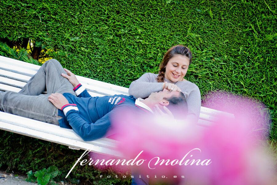 Fotografías de pareja - Sara y Luis en el Parque Alameda de Cervantes, Soria.